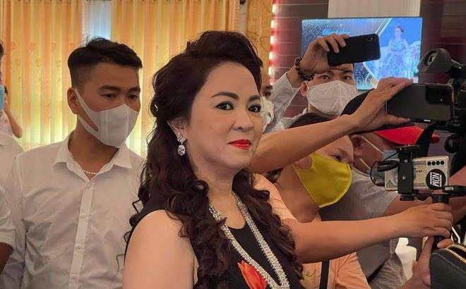 Nhà báo Hoàng Nguyên Vũ lột mặt bà Nguyễn Phương Hằng: Chuyện tình, tiền, gái dưới trai trên, đóng cửa tắt đèn bảo nhau - Hình 7