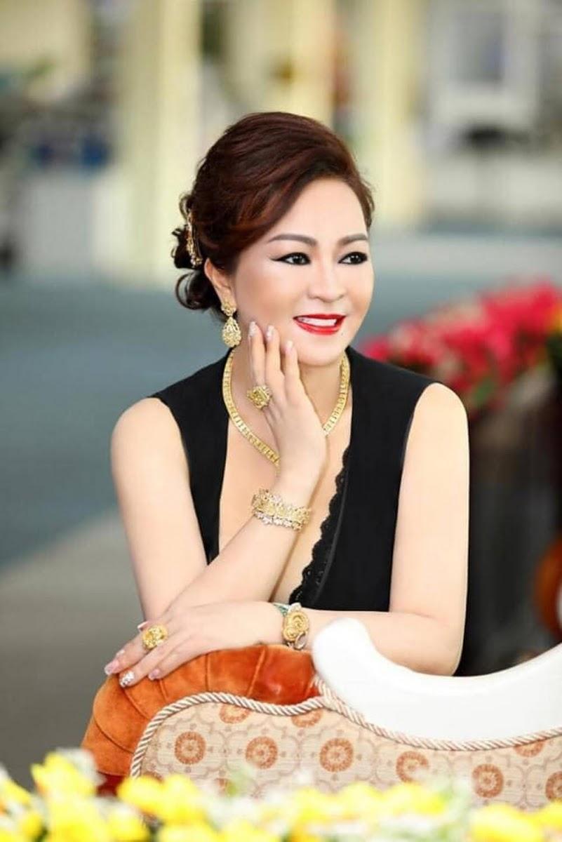 Nhà báo Hoàng Nguyên Vũ lột mặt bà Nguyễn Phương Hằng: Chuyện tình, tiền, gái dưới trai trên, đóng cửa tắt đèn bảo nhau - Hình 3