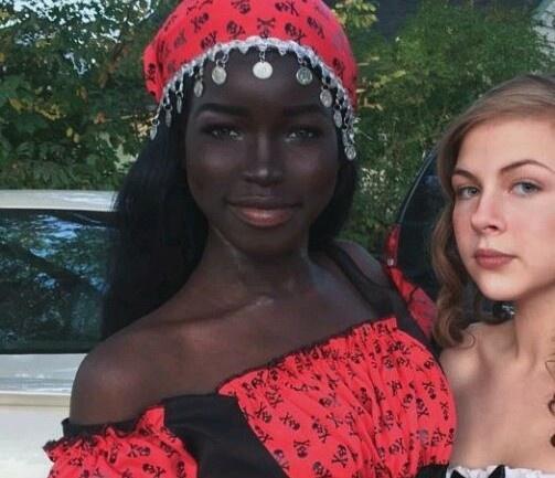 Cô gái Mỹ được mệnh danh là 'búp bê Barbie da màu' - Hình 1