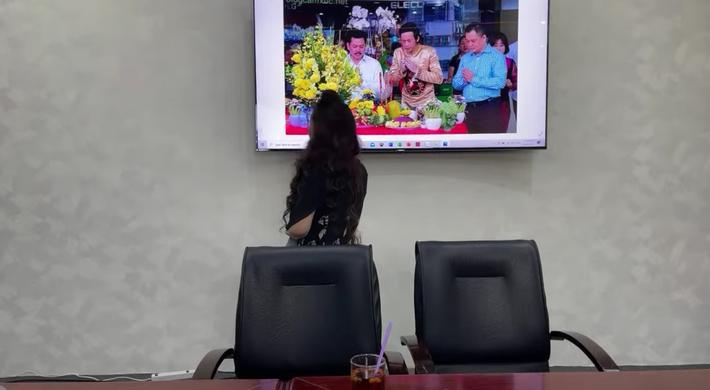 SỐC: Bà Phương Hằng trưa nay khẳng định lỡ đụng rồi thì chạm luôn nghệ sĩ Hoài Linh vì có tư duy âm binh giống hệt ông Võ Hoàng Yên - Hình 2