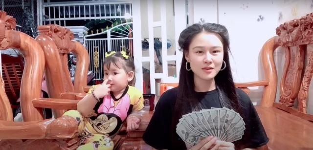 Hậu bị tố lừa đảo, Linh Lan được em gái Vân Quang Long gửi tiền đô - Hình 2