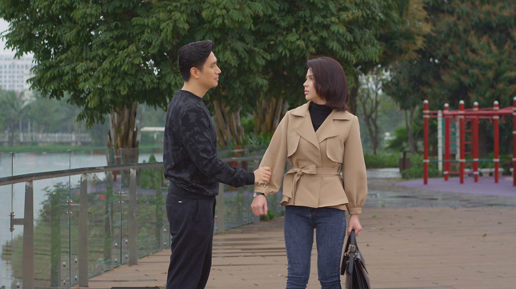 Lương Thu Trang nói về cảnh hôn với Việt Anh trong Hướng dương ngược nắng: Ý thức được ranh giới công việc và cảm xúc để tránh bị chi phối - Hình 1