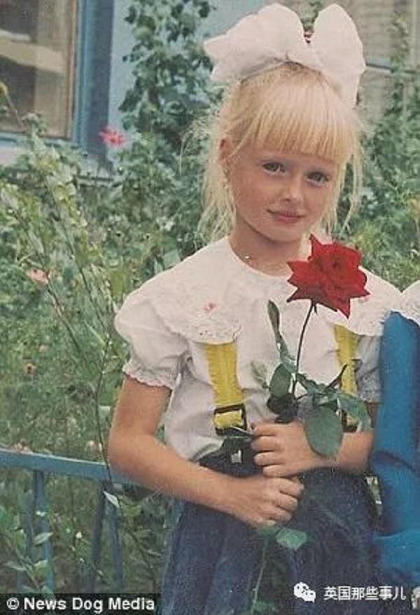 Cô gái được cha mẹ nuôi nấng như một Barbie sống từ năm 6 tuổi: xinh đẹp nhưng lại bị kiểm soát cả đời - Hình 5