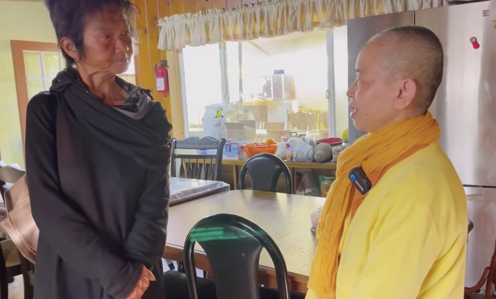 Nghệ sĩ Kim Ngân được Thúy Nga đưa lên chùa tìm chỗ tá túc - Hình 2