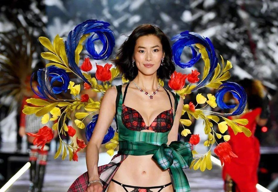 10 nữ người mẫu được trả lương cao nhất thế giới - Hình 1