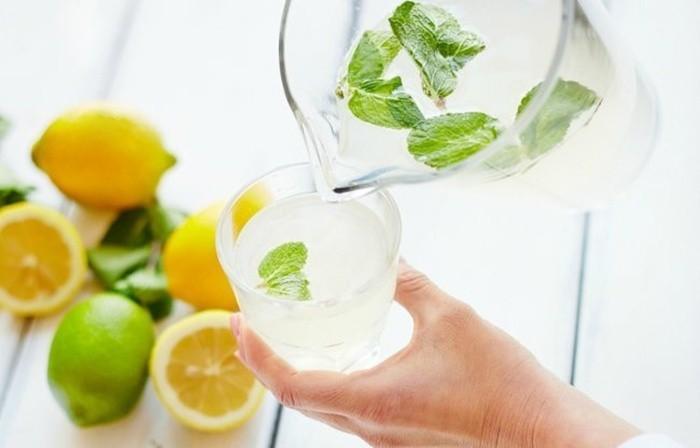 Những sai lầm khi uống nước chanh chị em cần bỏ ngay - Hình 4