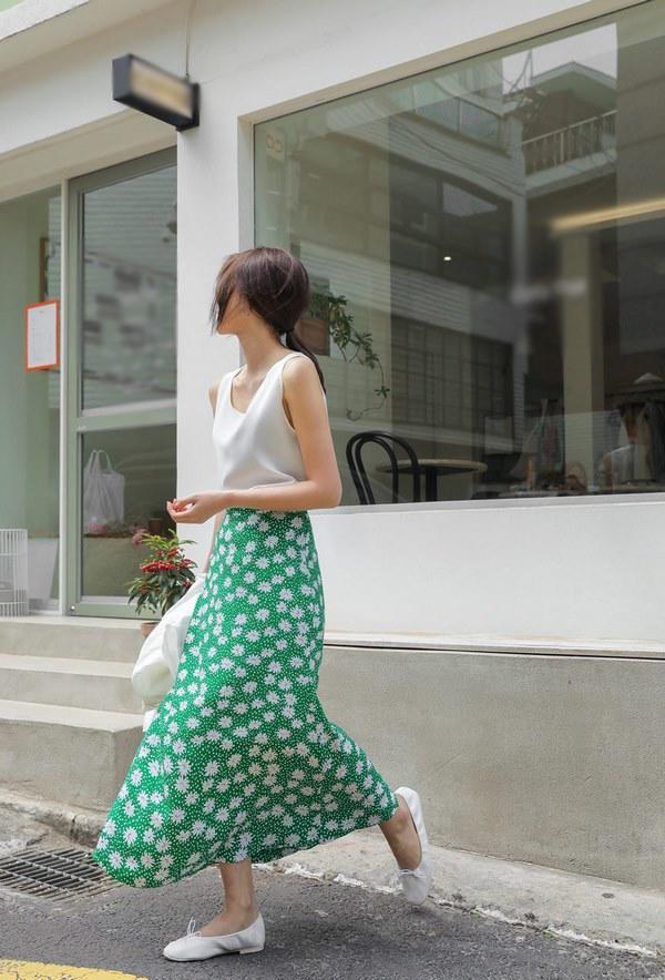 5 cách phối đồ siêu đẹp với chân váy hoa - Hình 5