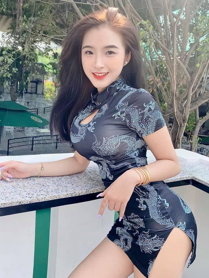 Nữ sinh nổi tiếng nhờ mặc áo dài bất ngờ chuyển gu phong cách - Hình 7