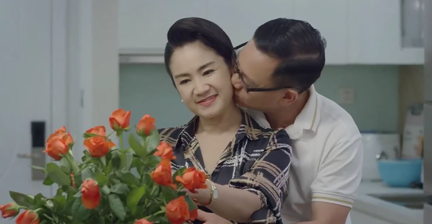 Hướng dương ngược nắng tập cuối: Hồng Diễm khẳng định Kiên và Châu không thể về với nhau, ông Quân tình tứ hôn má bà Bạch Cúc - Hình 8