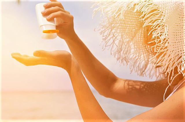 Chuyên gia khuyến cáo kem chống nắng chẳng thể thiếu trong ngày hè nhưng quên những điều này da dễ sạm nám - Hình 1