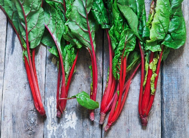 Những thực phẩm chuyên gia dinh dưỡng khuyên bạn nên ăn hàng ngày - Hình 7