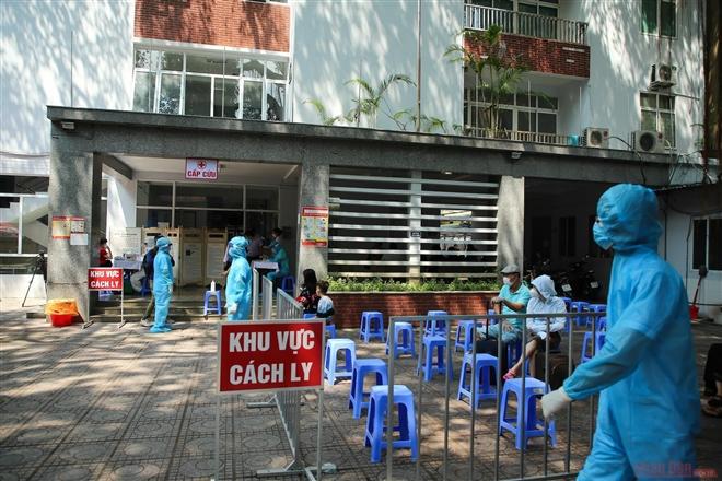 Hà Nội: Bác sĩ Bệnh viện Quân y 105 dương tính với SARS-CoV-2 - Hình 1
