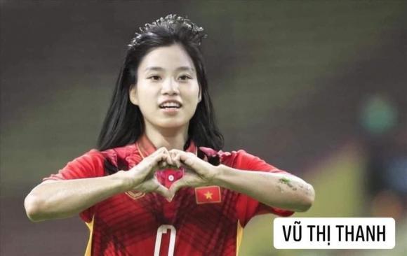 Dân mạng cười xỉu với loạt ảnh các cầu thủ đội tuyển bóng đá Việt Nam được chế ảnh thành con gái - Hình 10