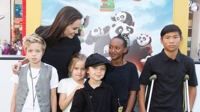 Mẹ nuôi showbiz nhà người ta Angelina Jolie: Đưa con lên thảm đỏ khủng, đóng phim, cậu bé Việt đổi đời trong ngôi nhà 573 tỷ - Hình 7