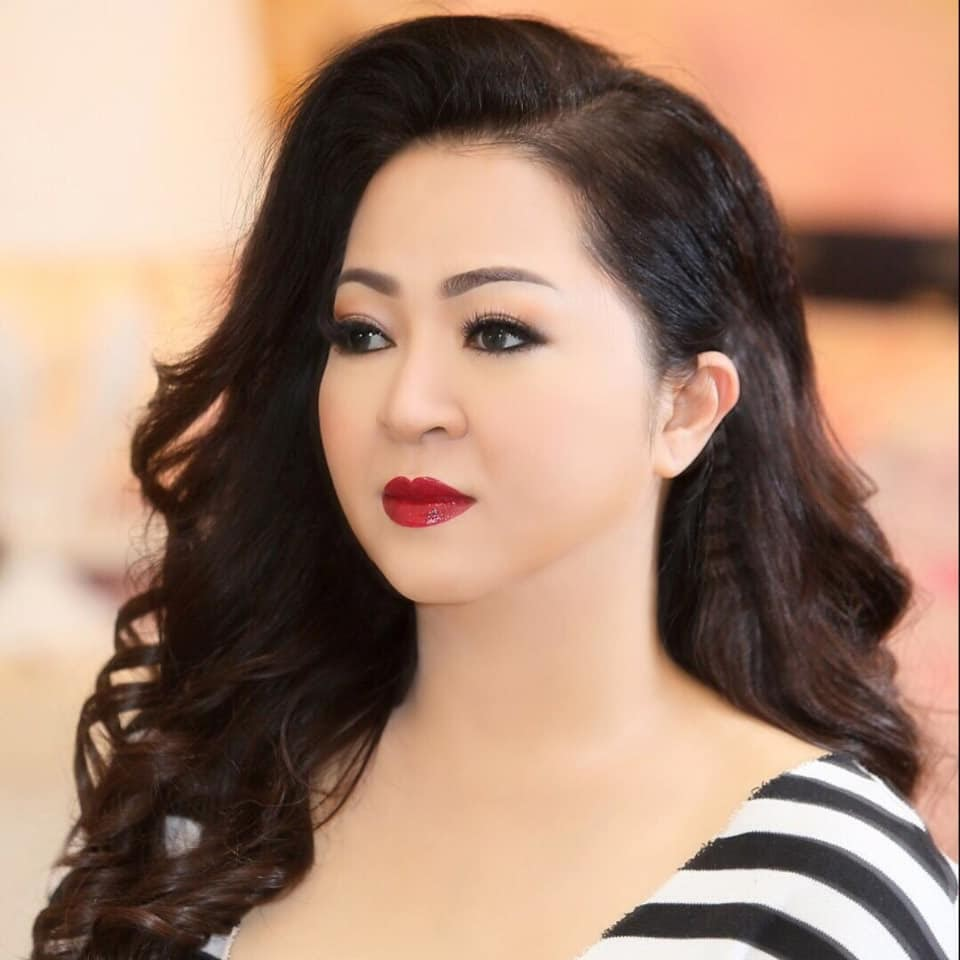 BIẾN MỚI: Bà Phương Hằng phanh phui chính Vy Oanh là nguyên nhân khiến ông Dũng lò vôi dẹp quỹ từ thiện - Hình 2