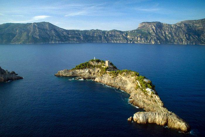 Khám phá hòn đảo Gallo Lungo ở Italy - Hình 2