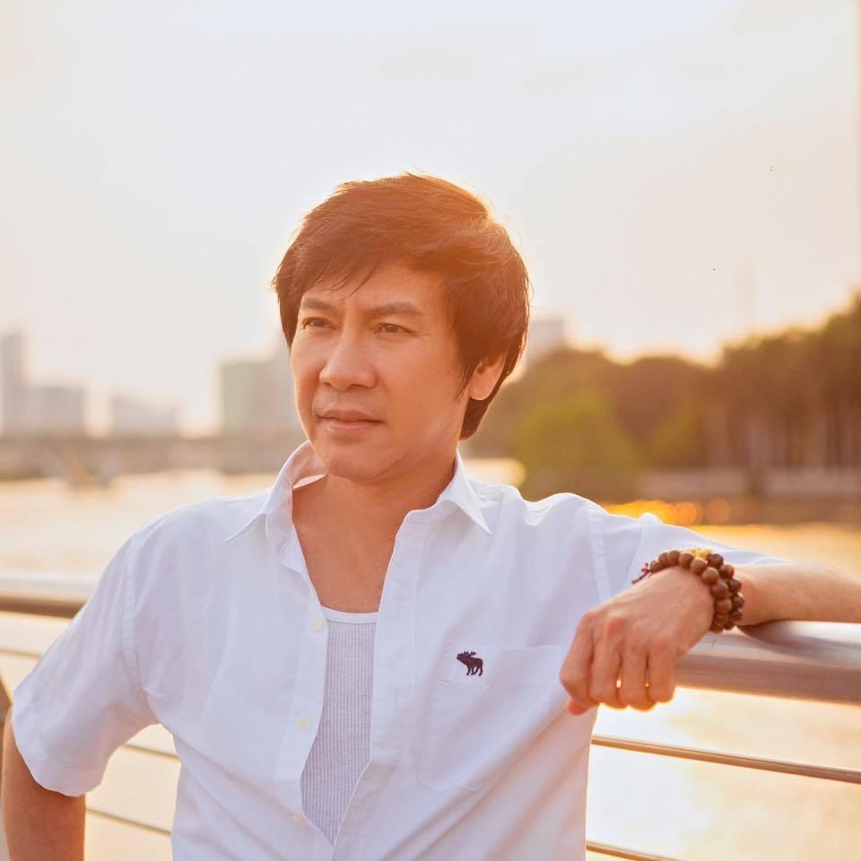 Cuộc sống của Lê Huỳnh bên vợ trẻ kém 29 tuổi sau ly hôn Kiều Oanh - Hình 1