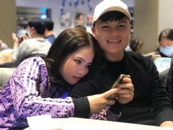 Cô chủ tiệm nail từng yêu Quang Hải khoe đã có bạn trai mới - Hình 1