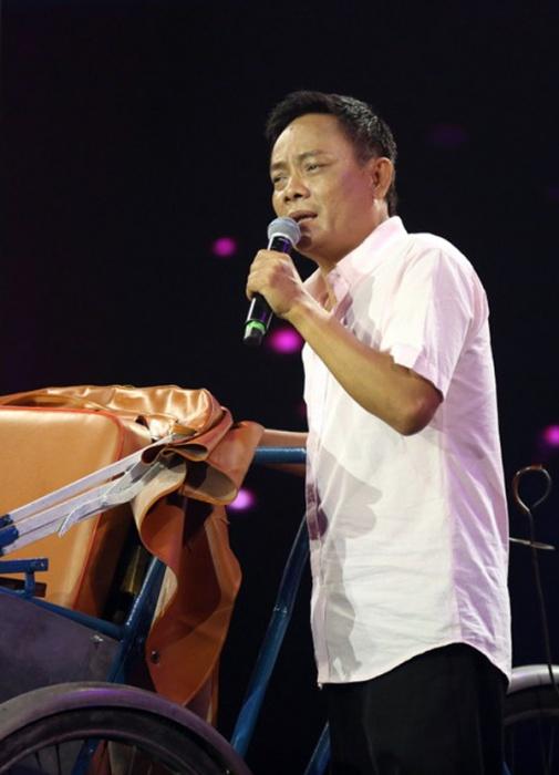 NS Tấn Hoàng bị buộc xin lỗi khi công khai nhắc nhở Hoài Linh, Trấn Thành việc làm từ thiện - Hình 2