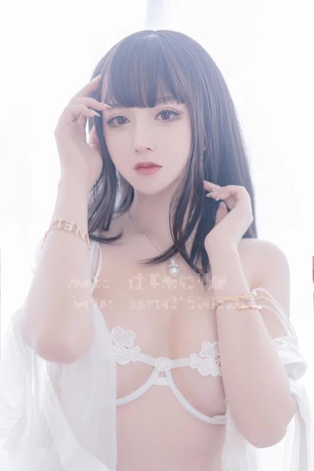 Nghiện cởi, nữ streamer xinh đẹp cả triệu follow gây sốc khi đổi nghề sang bán ảnh nóng, nội y và đồ chơi 18 - Hình 8