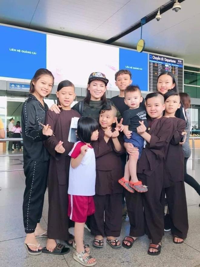 Con trai nuôi viết tâm thư động viên ca sĩ Phi Nhung, tình hình nữ ca sĩ thế nào sau 3 ngày chuyển viện điều trị Covid-19? - Hình 5