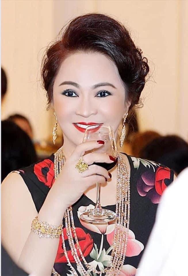 Vừa cấm cửa ông Đoàn Ngọc Hải, bà Phương Hằng liền tuyên bố không giao oxy cho ai ngoài công an, Nhà nước - Hình 6