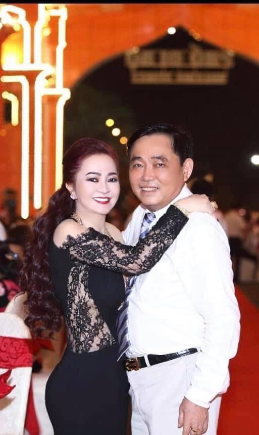 NÓNG: Nhâm Hoàng Khang vừa tuyên bố tung sao kê của quỹ mổ tim, bà Phương Hằng đăng tâm thư dừng lại tất cả - Hình 5