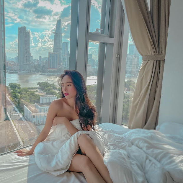 Ở nhà mùa dịch, Chi Pu, Ngọc Trinh và mỹ nhân Việt rủ nhau bung lụa trên giường khiến fan đỏ mặt - Hình 14