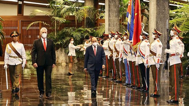 Cuba trao tặng Chủ tịch nước Nguyễn Xuân Phúc huân chương cao quý nhất - Hình 2