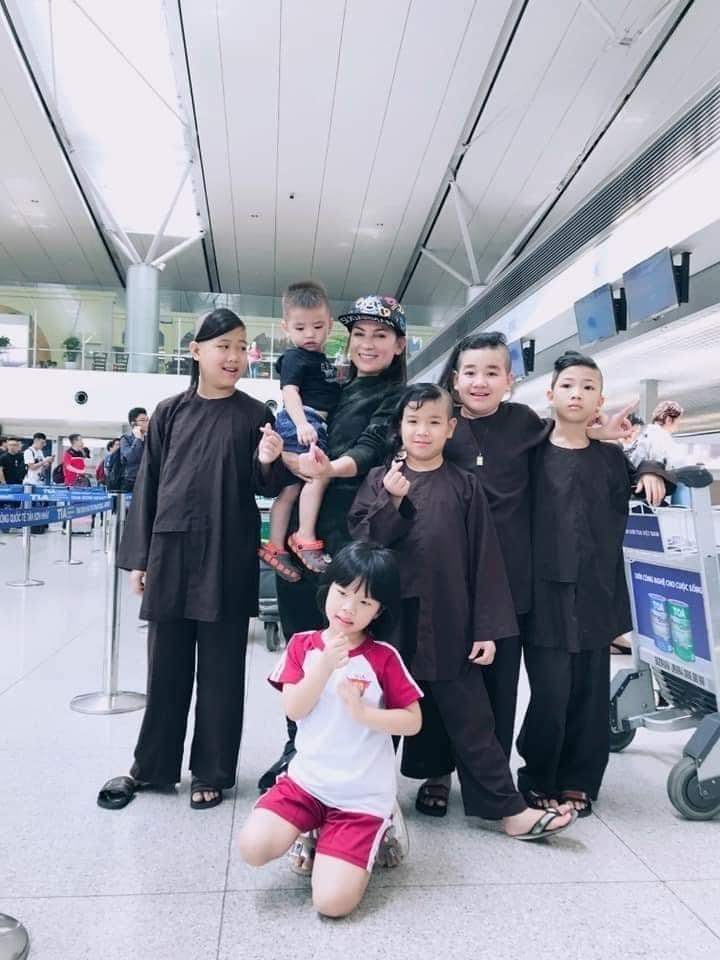 Xót xa khi những đứa con nuôi của Phi Nhung phải mồ côi thêm lần nữa - Hình 4