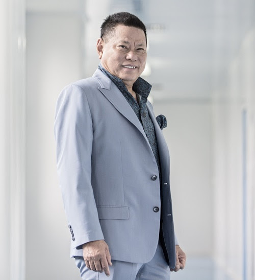 Trang Trần phát biểu việc tỷ phú Hoàng Kiều muốn nhận nuôi 23 đứa con của Phi Nhung: Còn nhiều vấn đề lắm - Hình 1